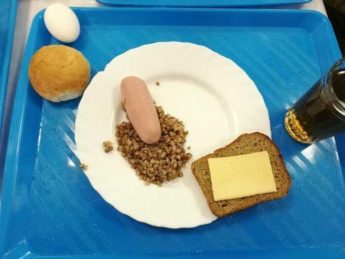 11. Стандартный армейский завтрак в современной армии. Раньше было лучше! армия, идиотизм, наши дни, прикол, смех, солдат, юмор