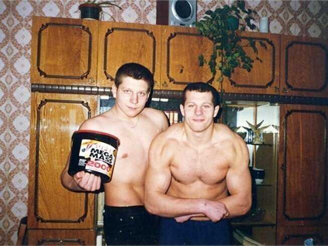 Александр и Федор Емельяненко дома